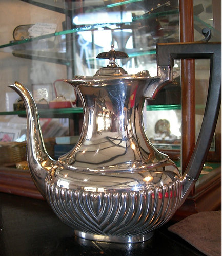 A Lovely Silver Plated Coffee Pot (CB/373)
