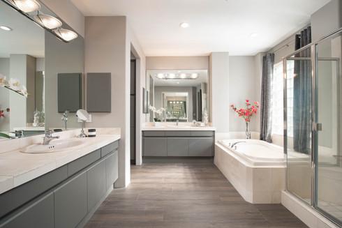 15 - Master Bathroom 1.jpg