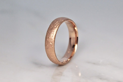 18ct Rose Sand Cast Ring 5mm.