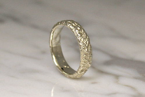 Custom 5mm 9ct Black Rhodium plated White Gold Mountain Ring