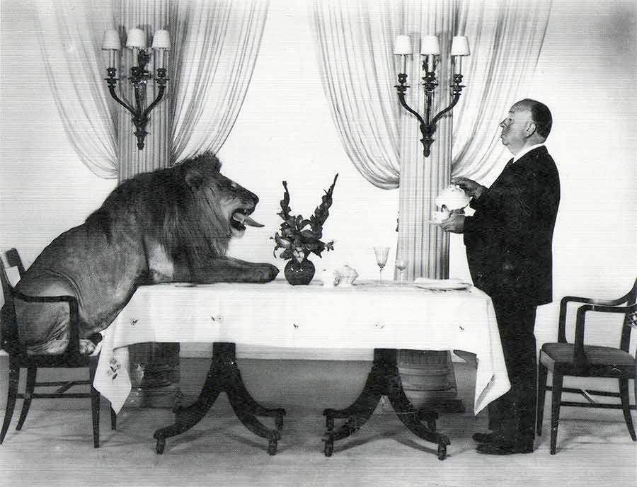 Léo et Sir Alfred Hitchcock, une tea party originale!