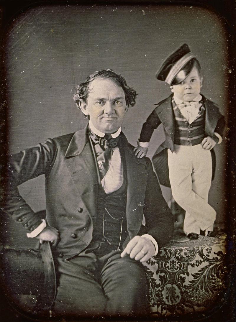 Phinéas Barnum et Charles Sherwood Stratton, dit le Général Tom Pouce