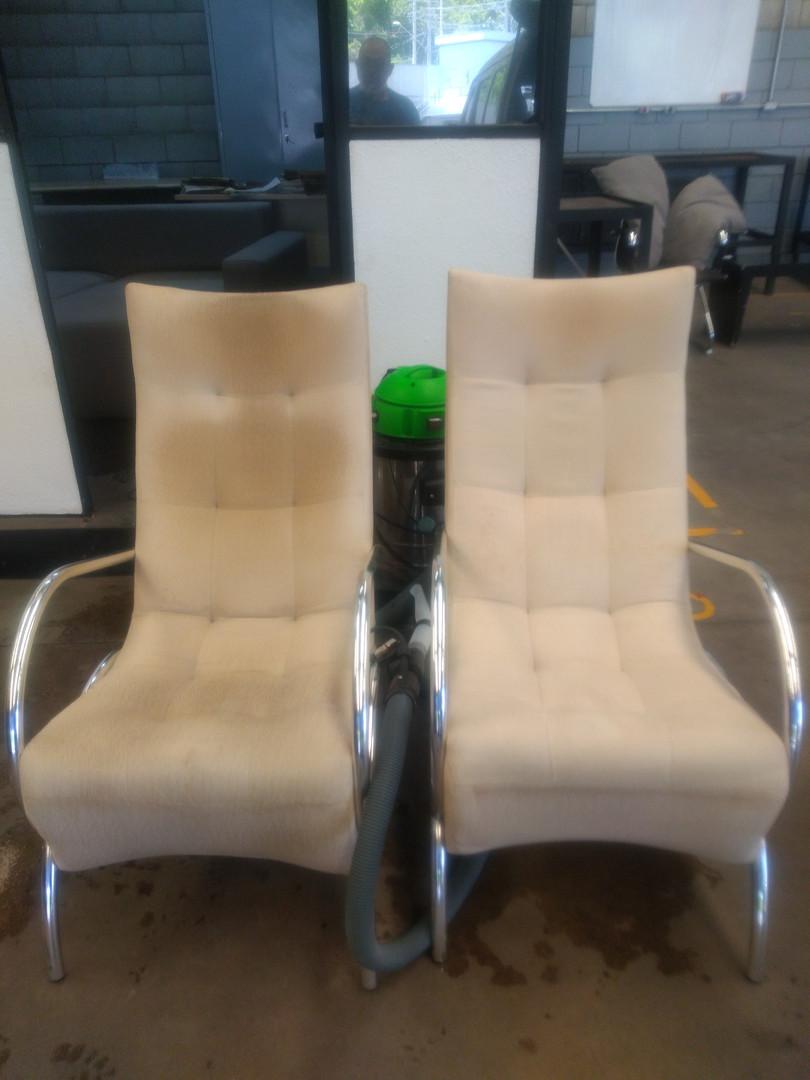 Limpeza de Cadeiras Antes e Depois