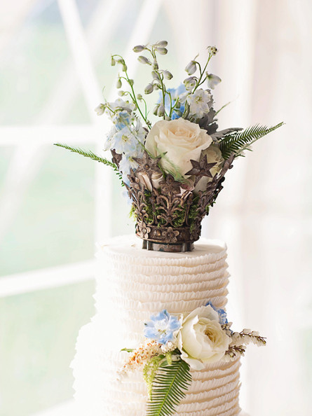 Creative & Unique Wedding Cake Toppers