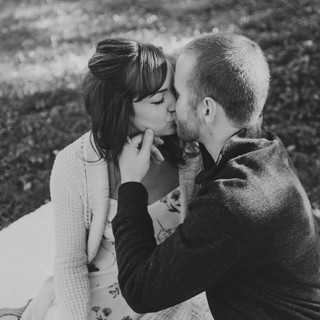 oshkosh engagement session - Vanessa and