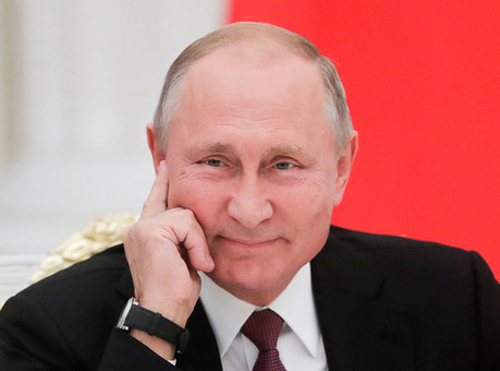 KREMLIN SCANDAL: RUSSIAN oligarchs 'too powerful' to be hit with 'McMafia laws' desi