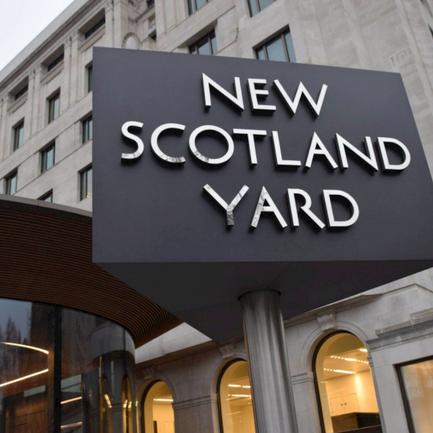 BLOOD BATH BRITAIN: Murder probe after teen shot dead in Plumstead