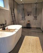 Thailändisches Badezimmer