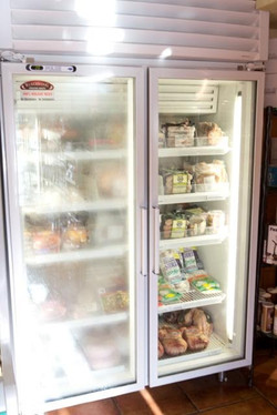 12463249-no-foggy-freezer-doors-at-the-grocery-store-anti-fog-films-new-technology