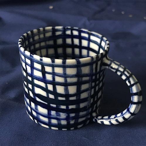 tasse en porcelaine tournée