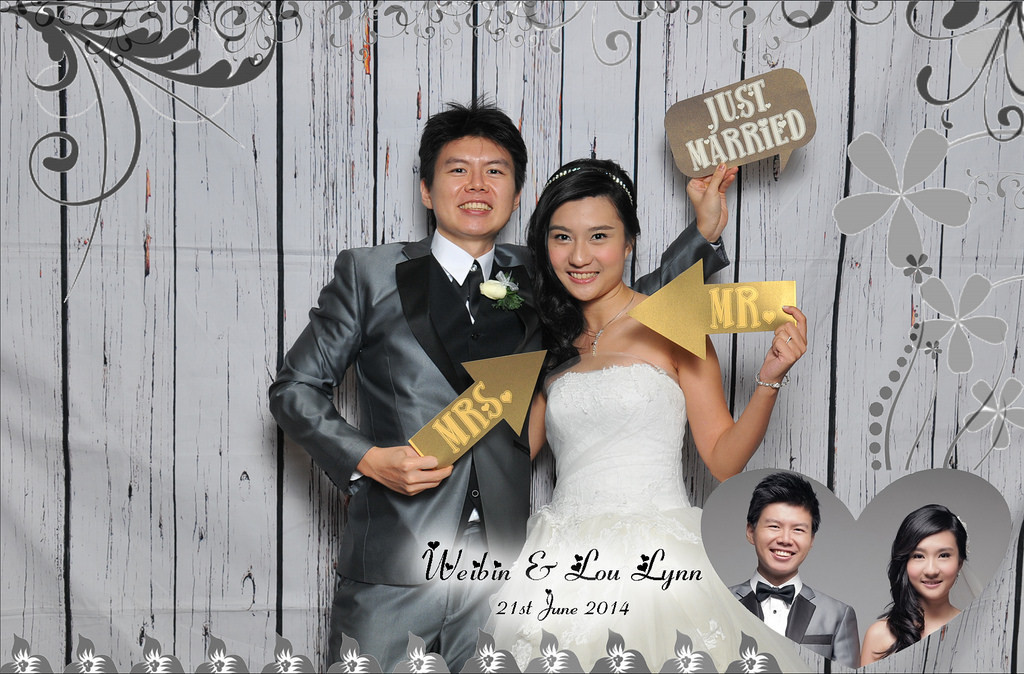 photoboothwedding.jpg