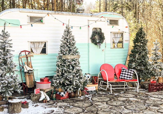 Trailer Chic Christmas Set