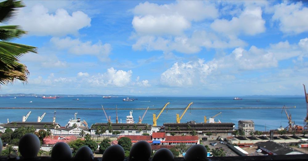 Santo Antônio olhando pro mar