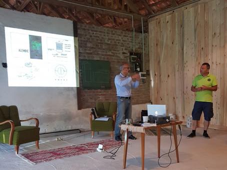 Illóolaj lepárló workshop Marco Valussival az Őrségben