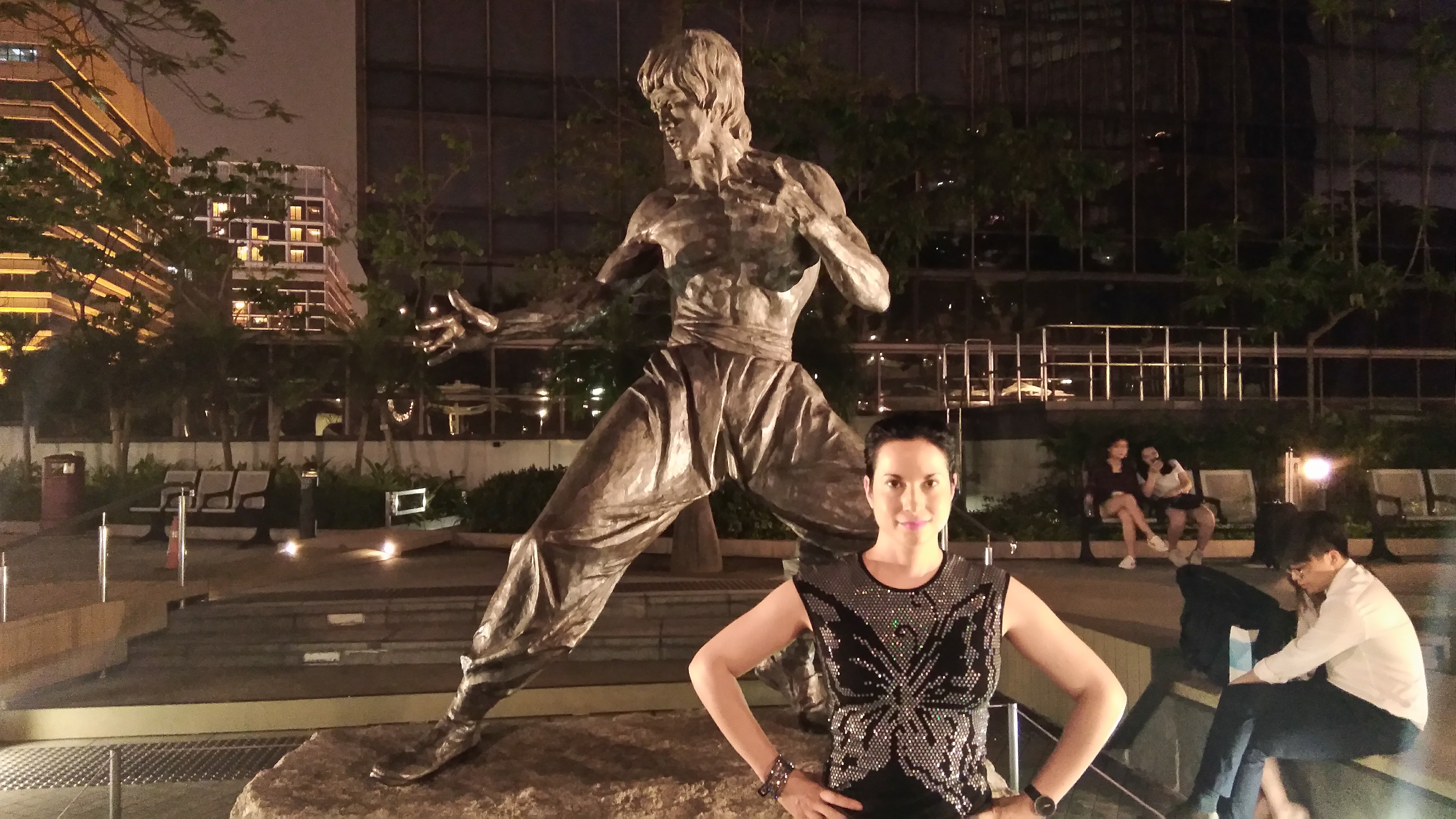 Bruce Lee statue, Hong Kong harbour