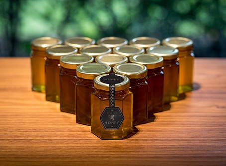 嚐嚐一口來自頂級房車品牌勞斯萊斯的獨家蜂蜜,為翠綠曠野盡份心力