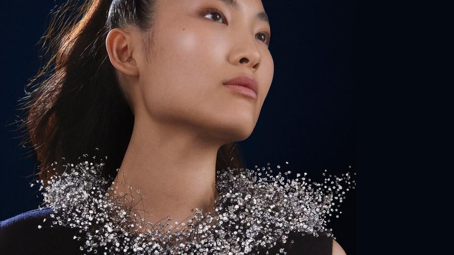 戴朵雲在身上 | Boucheron的空氣感設計,將高級珠寶推進到全新維度