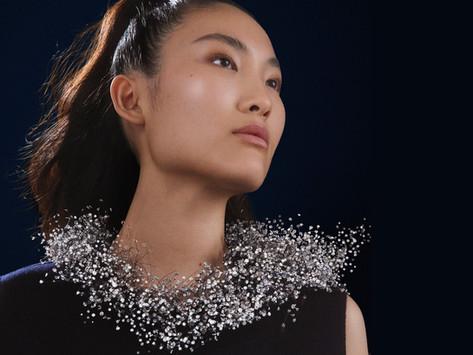 戴朵雲在身上     Boucheron的空氣感設計,將高級珠寶推進到全新維度