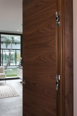 TMIR6000 with Simonswerk Concealed Hinges