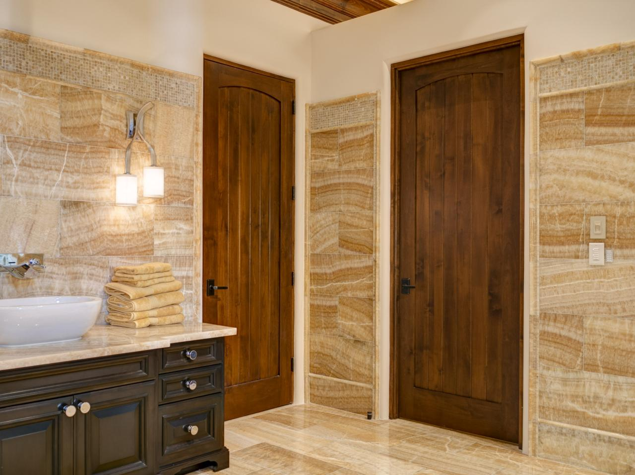 VG1030 Bathroom Doors In Alder