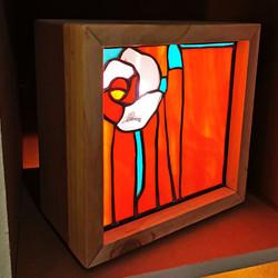 lampe-vitrail-bois-rose-light-3.jpg