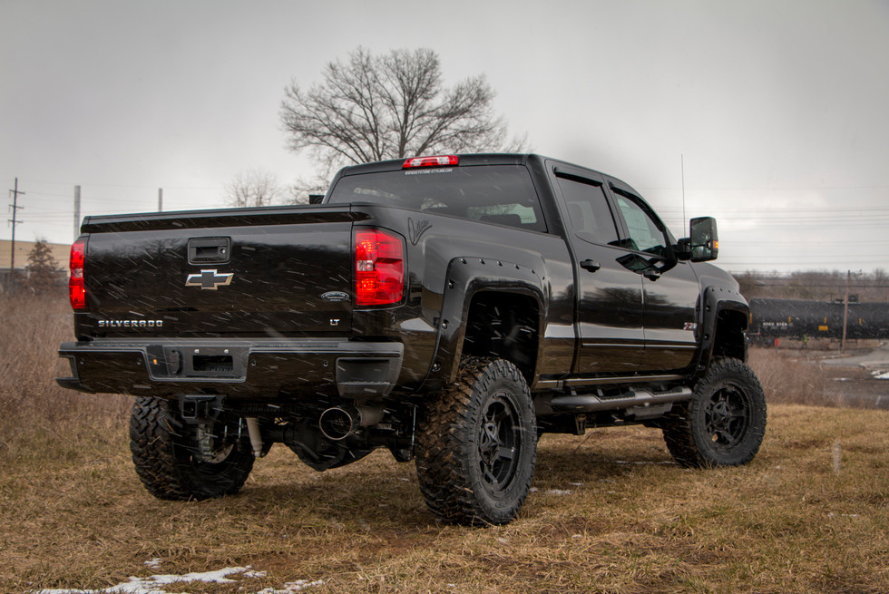 Chevy-2500-Outlaw-06.jpg