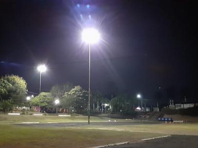 Praça Alfredo de Paiva Garcia recebe iluminação de Led e Jardim Paraíso I, II e III