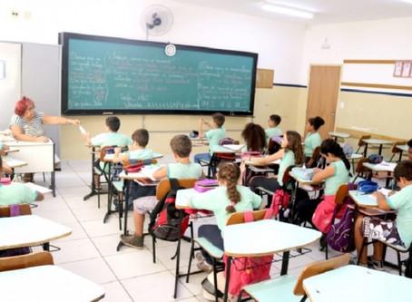 Município não retoma aulas presenciais das redes estadual e privada em setembro.