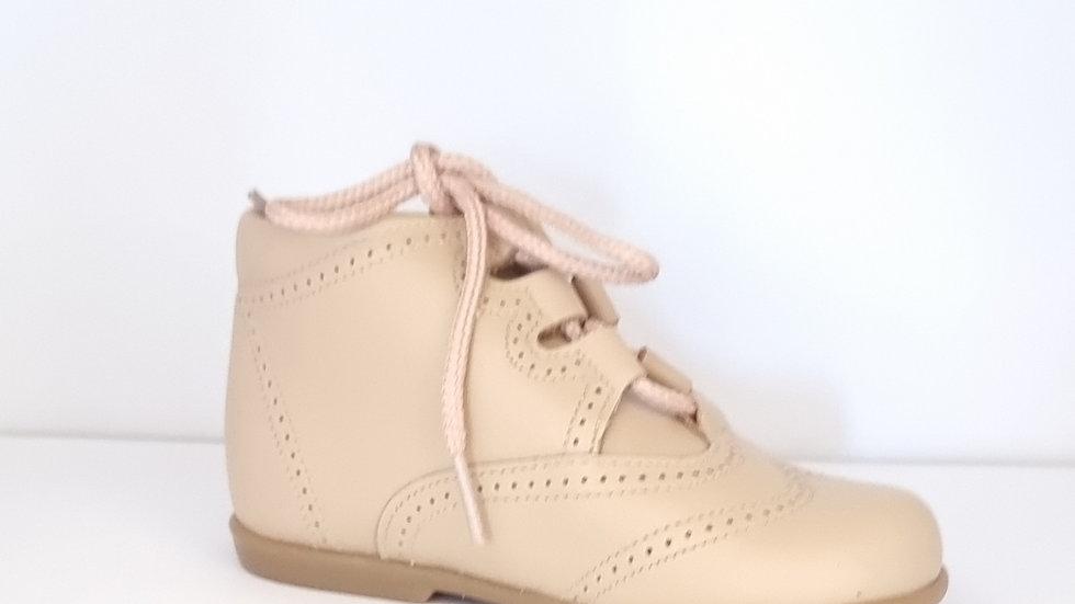 Gaelic Brogue Shoes - Beige