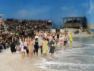 Chanel ss2019 Sand, barefoot models and real lapping waves transported guests from Paris to the seas