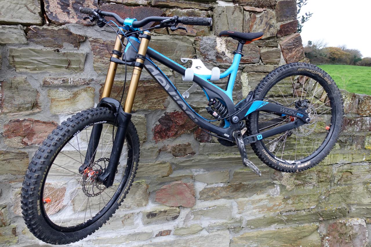 DH bike 01