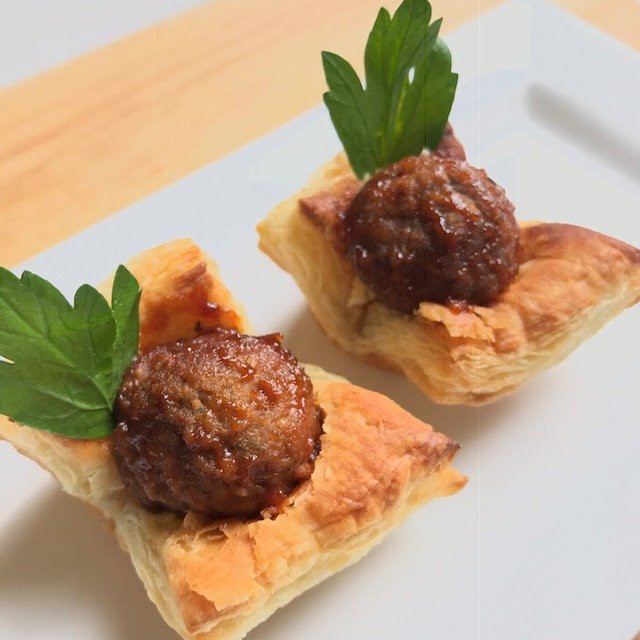 Sweet and Garlicky Meatball Cups