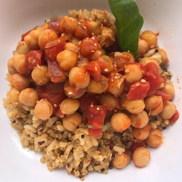 Quinoa Mix and Spicy Chick Peas