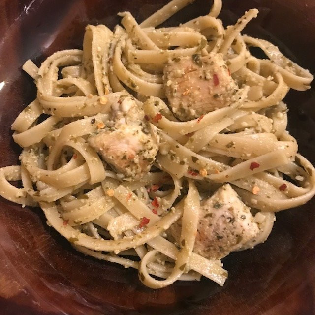 Chicken and Pasta in Pesto White Wine Sauce