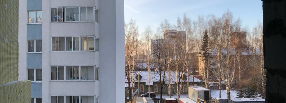 Вид с 4 этажа квартиры-студии