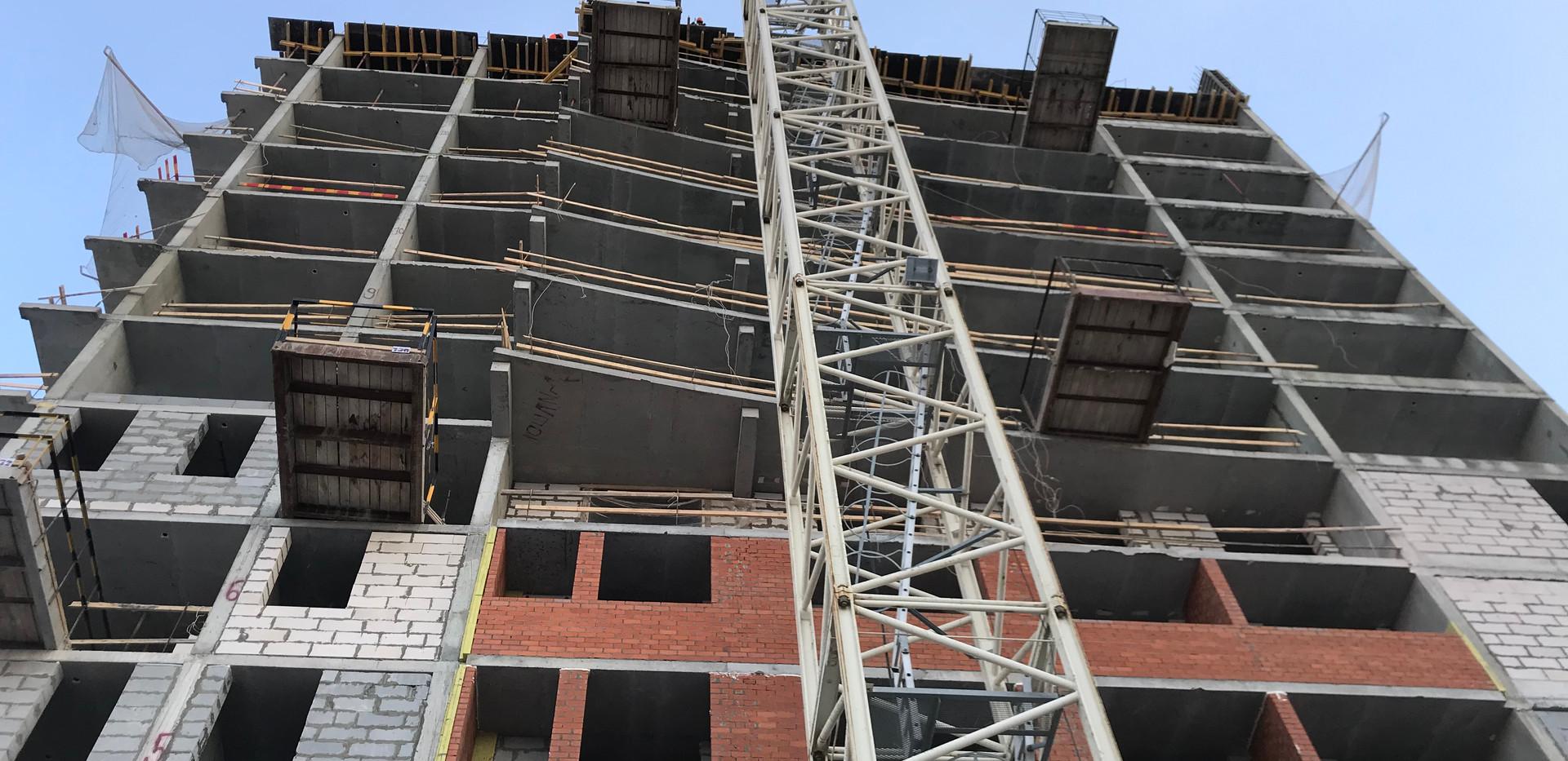 Возведено 14 этажей