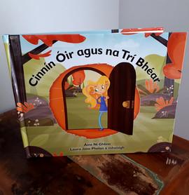 Cinnín Óir agus na Trí Bhéar