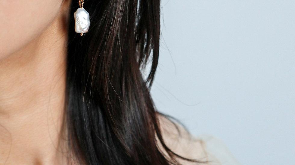 BGFP48 Daisy Pearl Earring