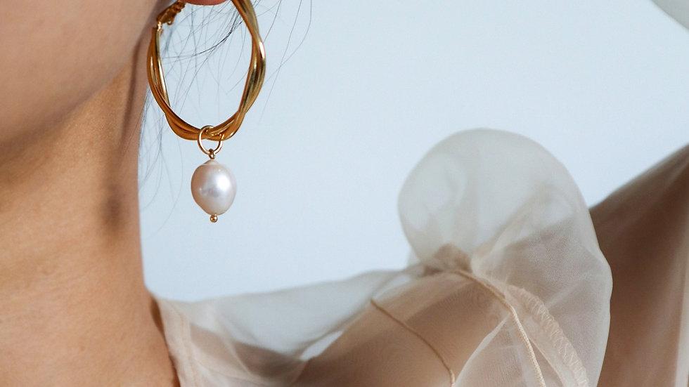 BGFP67 Large Screw Pearl Earring