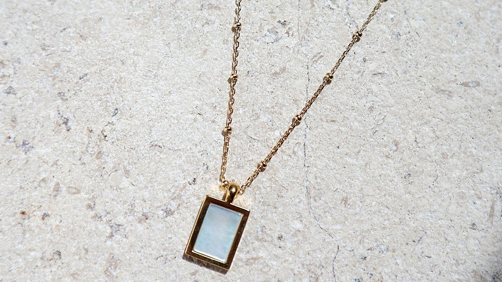 Mother of Pearl Pendant Silver Necklace