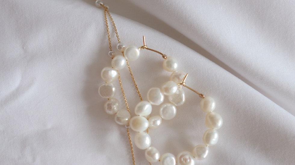 Snow Medium Pearl Hoop Earrings