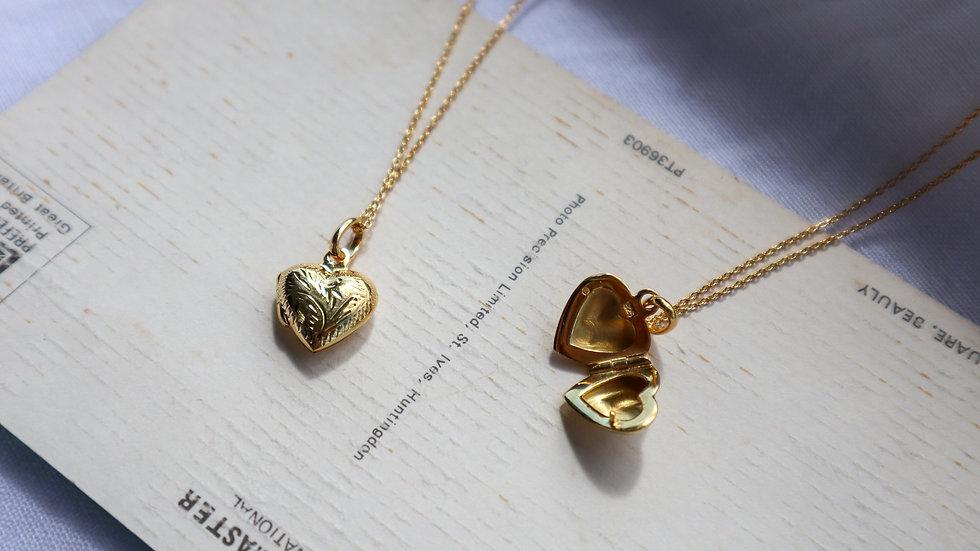 SGN50-2 Vintage Heart Locket Necklace
