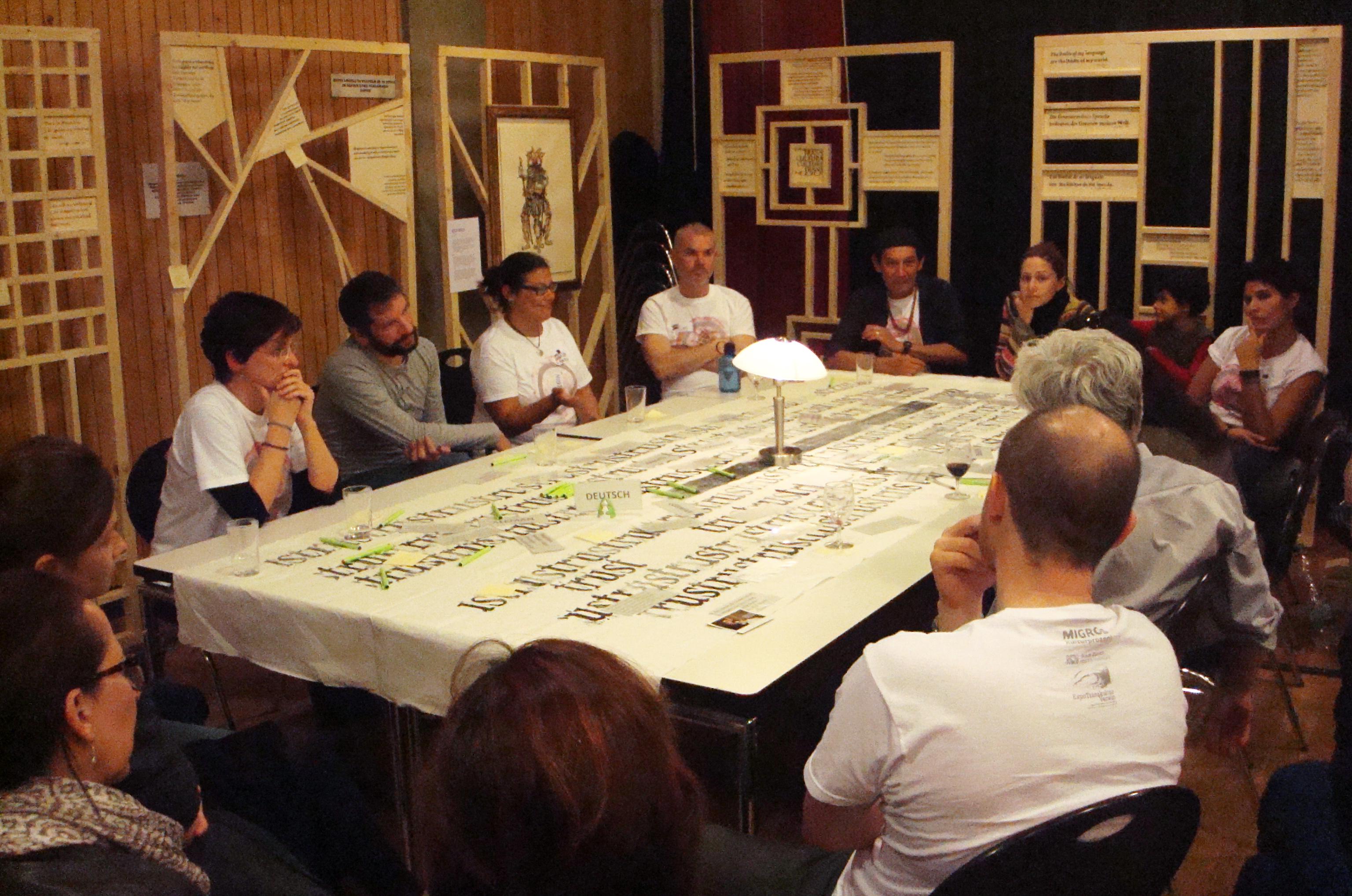 """""""Tisch der Dialog"""""""