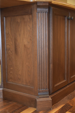 Wood Fluted Onlay with Furniture Toe