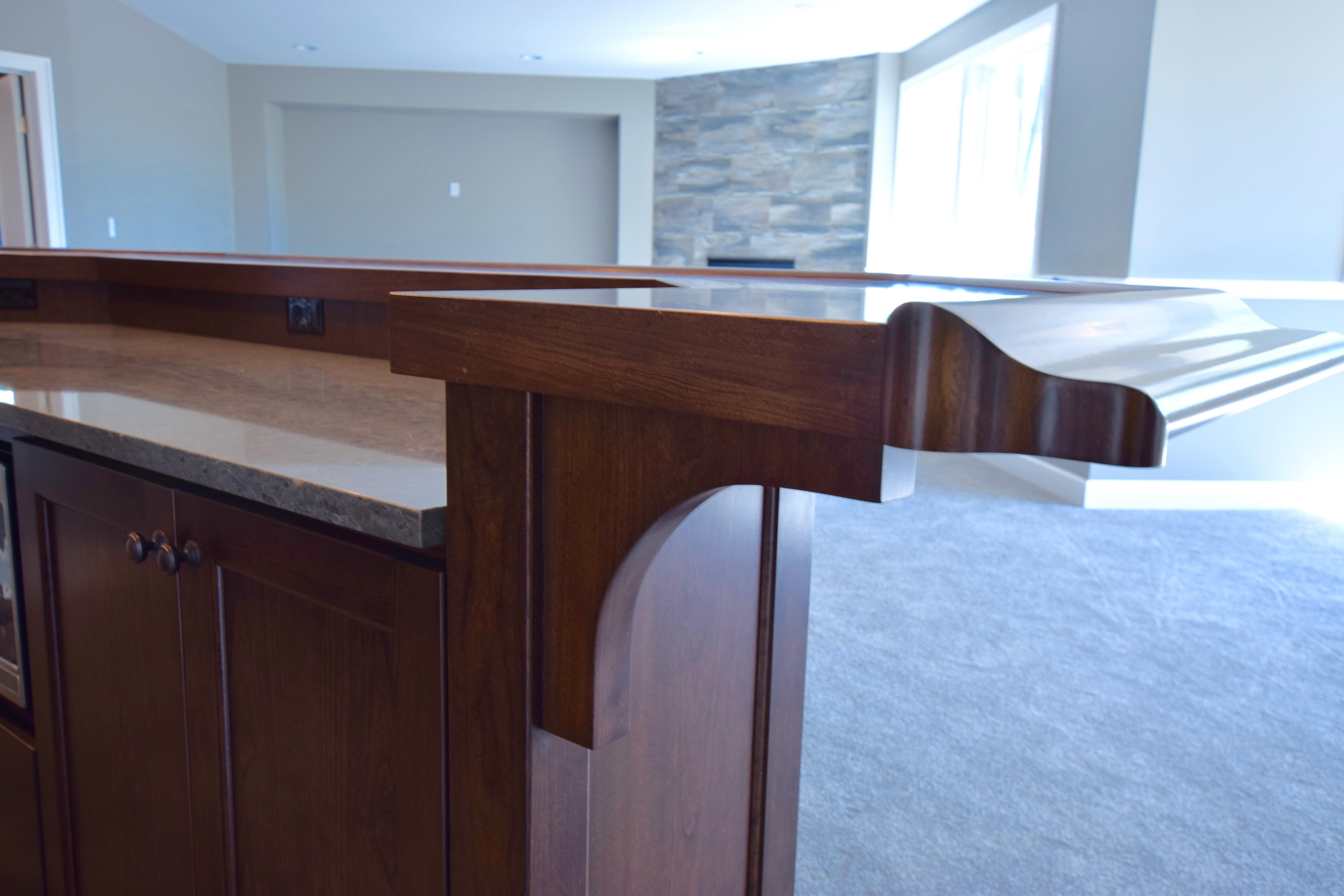 Wood Top with Bar Rail Molding