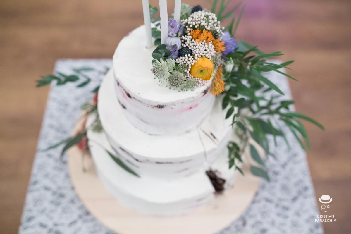 tort floral, în stilul nunții