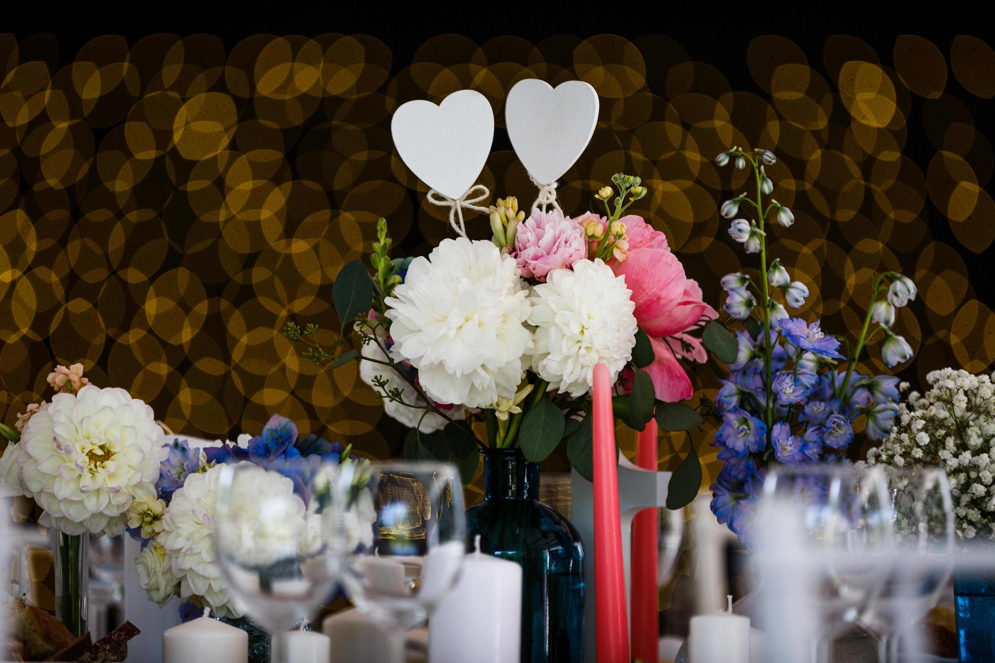 aranjament romantic masă miri
