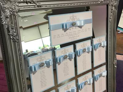Ornate Easel & Mirror Table Plan