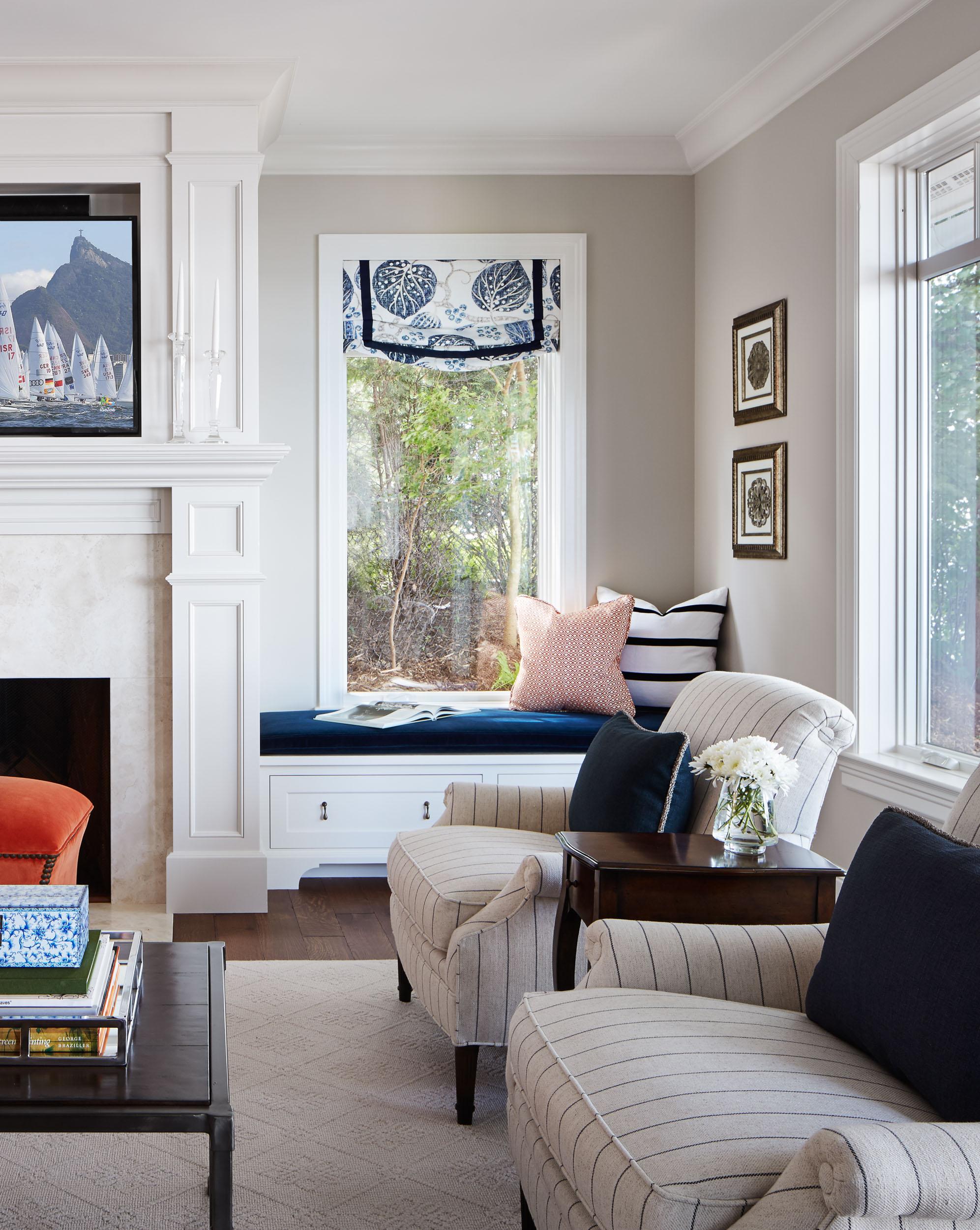 Lakeside Cottage Living Room Image