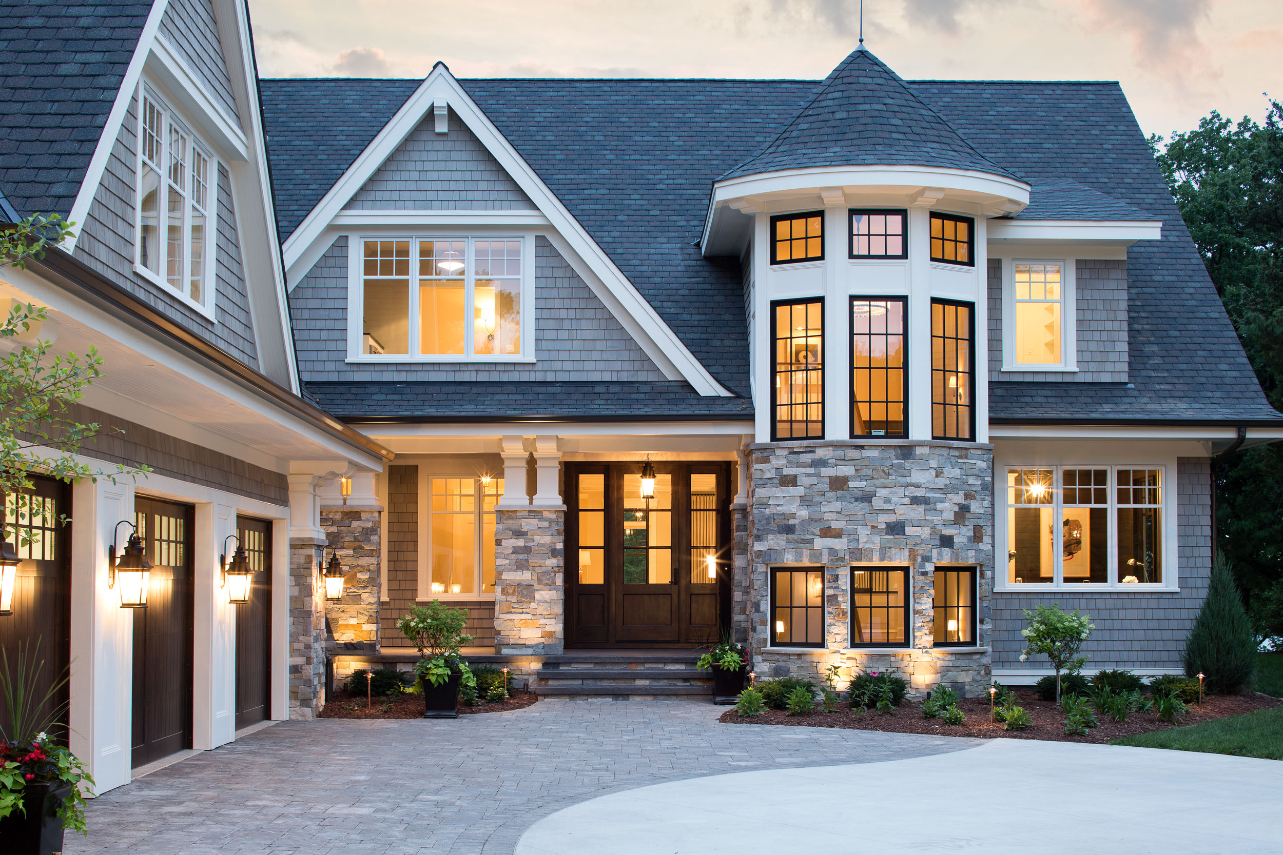 Lake Artisan Home Entry Image